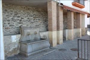 aljibe-plaza-iglesia-niguelas001