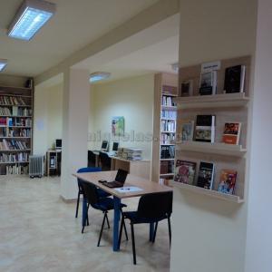 biblioteca-niguelas001-600x600